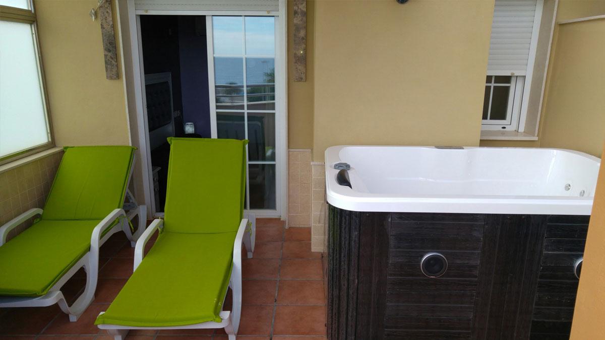 habitacin doble superior con vistas terraza y jacuzzi exterior